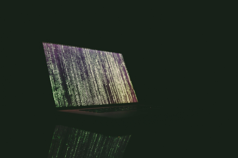 matrix-rain-on-macbook-screen