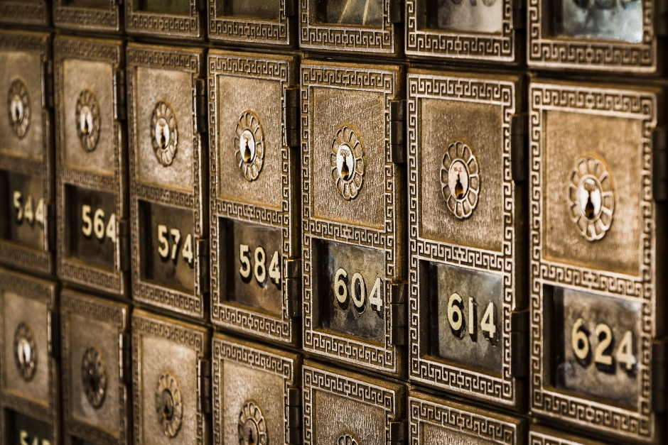 gold-safety-deposit-boxes