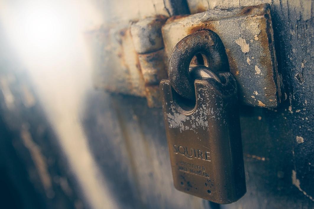 rusted-pad-lock