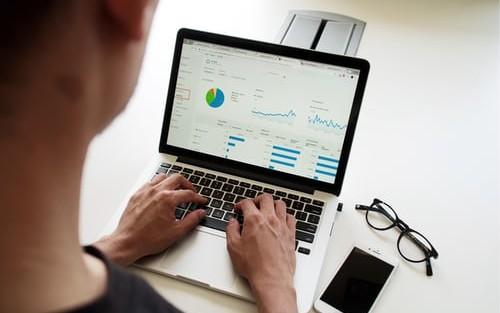 Adopting DataOps for Agile Data Management Processes